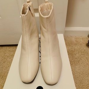 Shoes - Beautiful White Ankle Boots